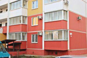Решетки на первом этаже новостройки Краснодара